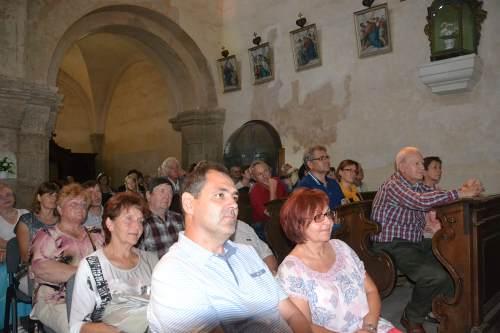 Kostel při koncertu