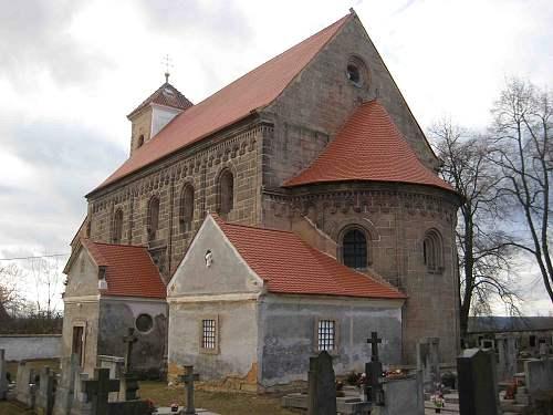 Kostel s novou střechou 09